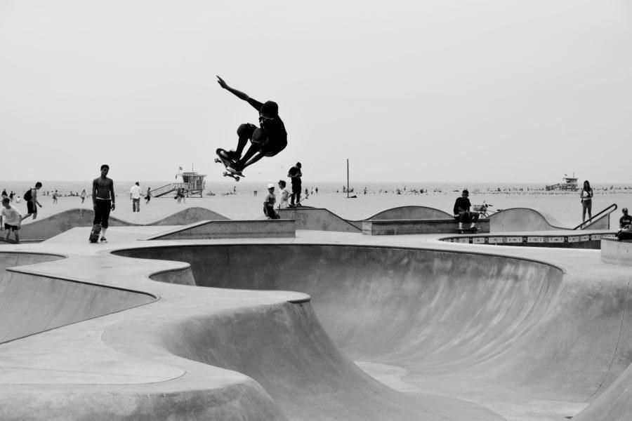 スケートボードはサーフィンの練習に欠かせない