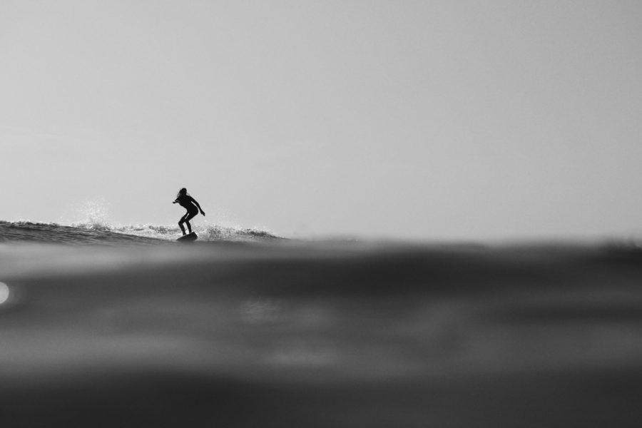 半水面撮影でアクションスポーツの魅力がさらに引き立つ