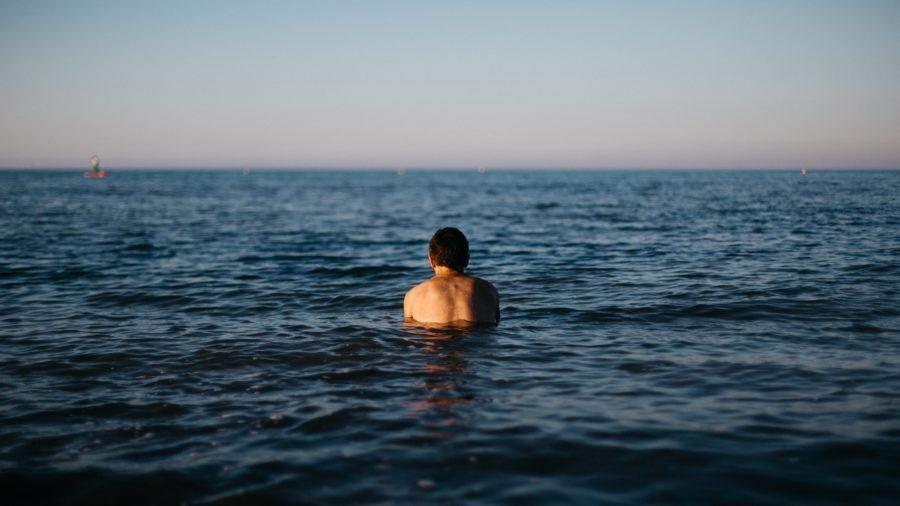 腰痛がひどいとサーフィンができない