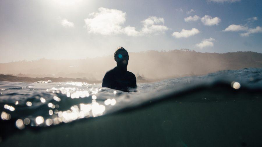 正しいウェットスーツを着用してサーフィンの防寒対策を行おう