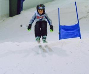 Snowplanet is seeking Ski race coaches