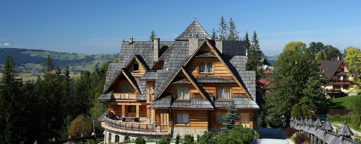 Roofing Tips You Can Handle On Your Own Roofing