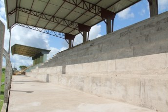 Estrutura em concreto e cobertura para receber desportistas