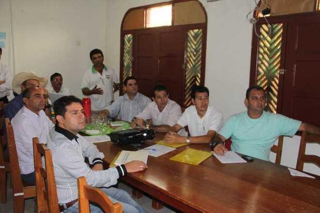 Prefeitos do Alto Acre estiveram reunidos na sede do CONDIAC nesta quarta-feira, dia 9 - Fotos: Alexandre Lima