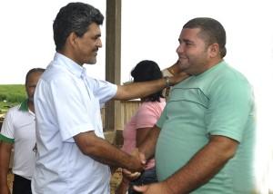 Secretário de Desenvolvimento Florestal, Indústria, Comércio e Serviços Sustentáveis, Edvaldo Magalhães e o Secretário Municipal de Agricultura e Meio Ambiente de Brasiléia, Reginaldo Guerra