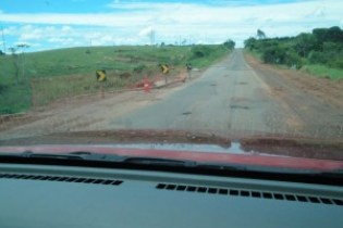 Bueiro desbarrancado no km 24