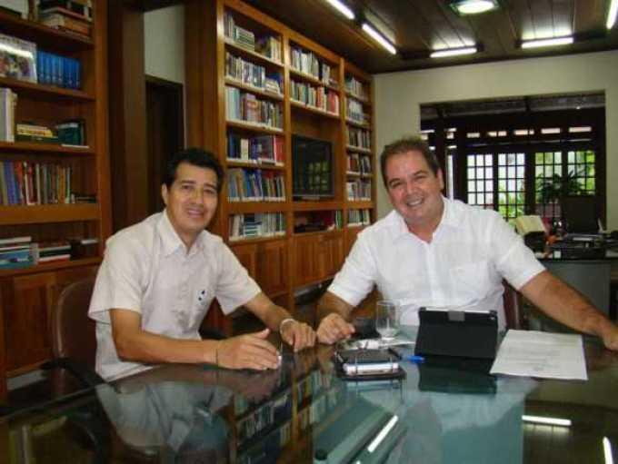 Prefeito de Assis Brasil, Doutor Betinho se reuniu com o governador Tião Viana na tarde desta terça-feira (Fotos: Agência ContilNet)