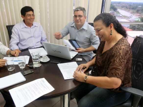 Suely Melo assinou na manhã desta terça-feira a portaria de cria a comissão/Foto: Assessoria