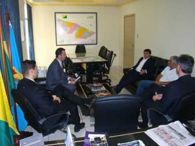Deputado Marcio Bittar, deputado Major Rocha e Edson Siqueira, durante encontro com delegados da Polícia Federal/Fotos: Agência ContilNet