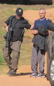 Momento em que Roger era transferido para o presídio na Capital do Acre - Foto: Alexandre Lima