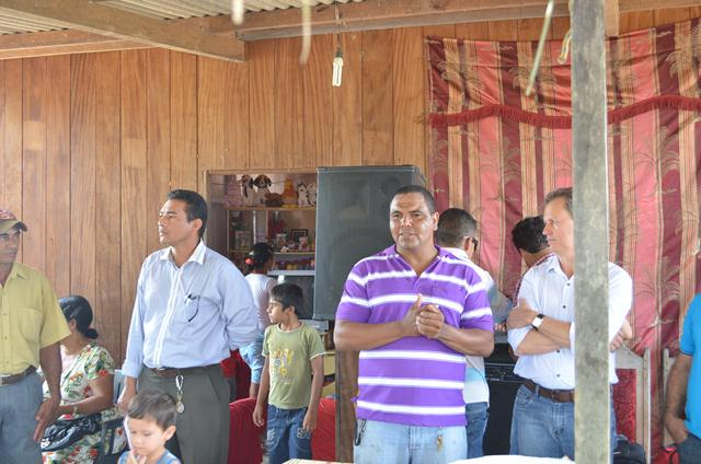 Participando da entrega na Linha 9, situado no ramal do 13, Assentamento Princesa - Foto: Assessoria