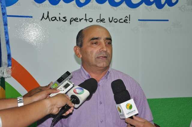 Everaldo gomes, reuniu imprensa, juntamente com vários secretários e convidados para anunciar boas novas - Fotos: Assessoria