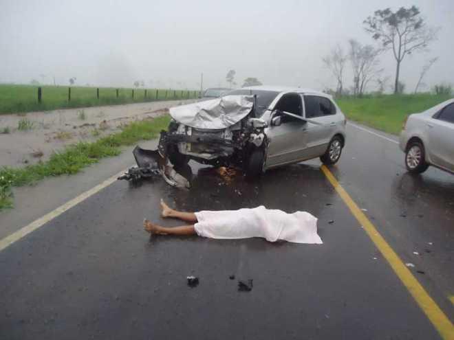 Vítima fatal não teria sido identificada pelas autoridades no local - Fotos: Almir Andrade