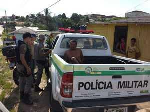 Homem foi recapturado pela polícia e levado ao presídio (Foto: Francisco Rocha/G1)