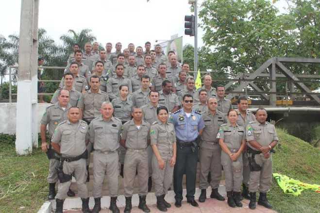 Policiais militares do 10º Batalhão foram homenageados pelos serviços prestados a sociedade acreana - Fotos: Alexandre Lima