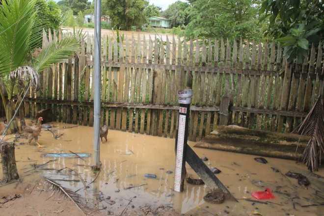 Próximo ao meio-dia, as águas do rio Acre alcançaram 10,12cm. Cerca de três horas depois, chegou a 10,20cm, mas está dando sinal de estabilização - Foto: Alexandre Lima