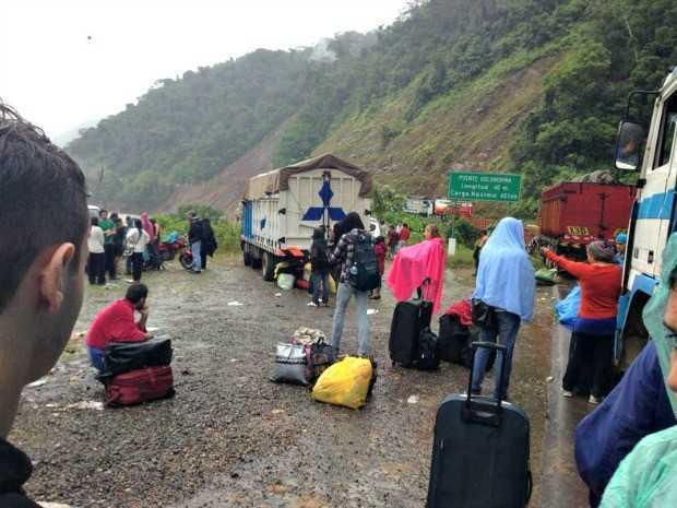 Acreanos encontram caminhos alternativos para a travessia (Foto: Luiz Eduardo Guedes/Arquivo pessoal)