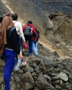Pedras são obstáculos durante a travessia (Foto: Luiz Eduardo Guedes/Arquivo pessoal)
