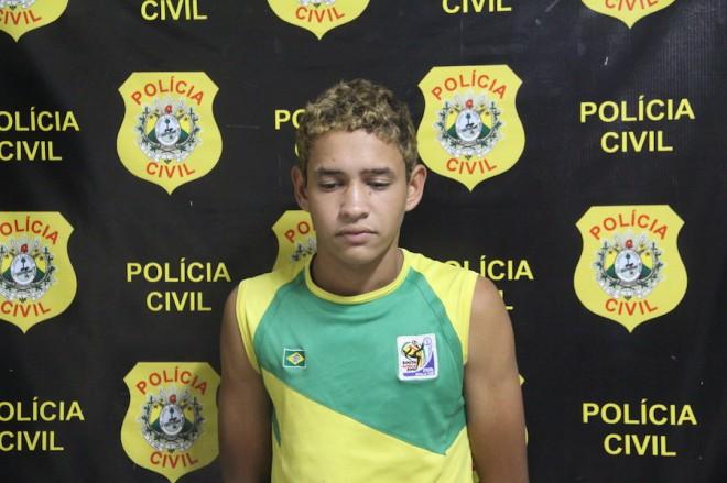 Aloísio terá muito que explicar as autridades do judiciário sobre a droga que tinha escondido no seu sapato - Foto: Alexandre Lima