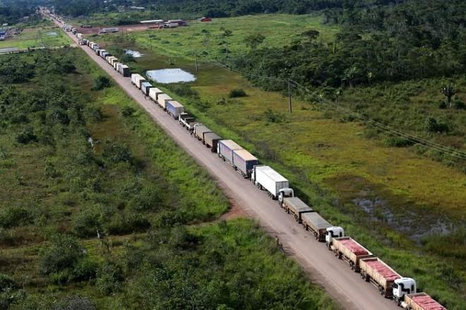 As carretas chegaram ao Acre nesta quinta-feira; elas vieram de diversas regiões do País/Fotos: Sérgio Vale/Secom