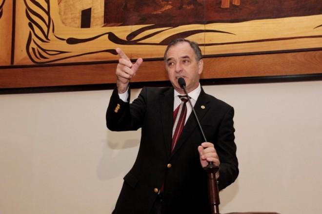 Deputado Luis Tchê (PDT)