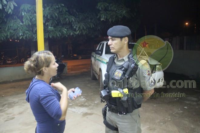Autoridades foram acionadas e detiveram dois suspeitos que foram levados à delegacia - foto: Alexandre Lima