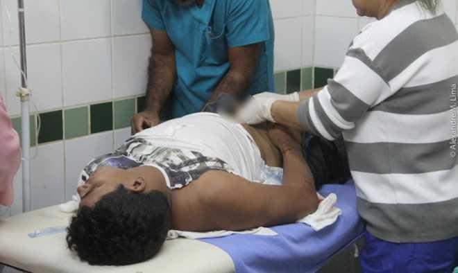 Charlenildo teve que ser transferido para Rio Branco, onde seria operado para retirada de projétil