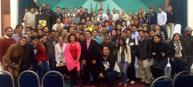 Comitiva de parlamentares brasileiros fez a ponte entre os estudantes brasileiros e autoridades bolivianas