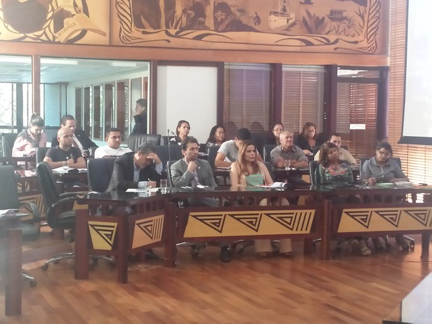Audiência pública sobre PNBL foi realizada na Aleac (Foto: Rayssa Natani/ G1)