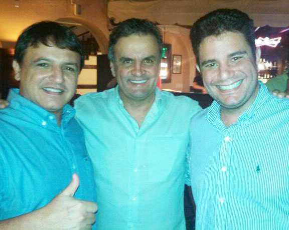 Candidatos Aécio Neves, Bittar e Gladson realizam o primeiro grande ato da Coligação por Um Acre Melhor/Foto: Assessoria