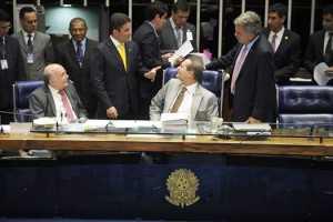 Acompanhado de Peteção, Gladson Cameli visita pela primeira vez Plenário do Senado/Foto: Reprodução Facebook