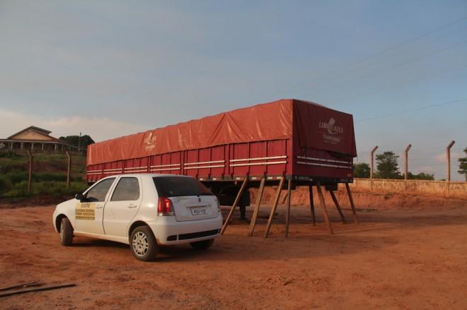 Fiscais da Receita Federal e Ministério da Agricultura foram até o local e apreenderam a carga - Foto: Alexandre Lima