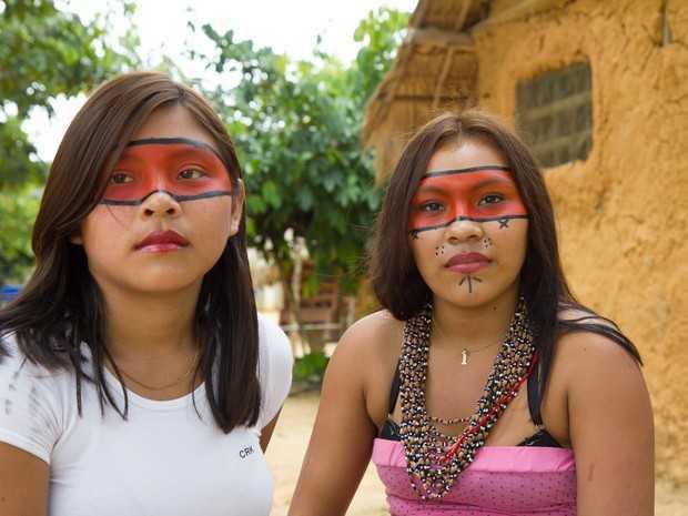 As jovens Priscila Xirixana, 16 anos, e Sheila Xirixana, 17 anos, votaram pela primeira vez (Foto: Inaê Brandão/G1 RR)