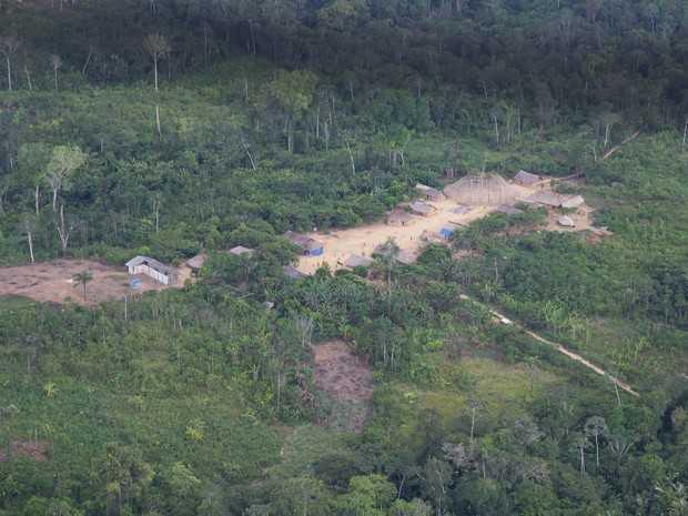 Visão aérea da comunidade Sikamabiu, reserva Yanomami (Foto: Inaê Brandão/G1 RR)