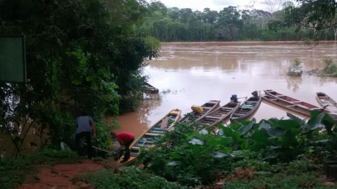 Rio Acre já desabrigou 10 famílias em Assis Brasil/Fotos: Evandro Cordeiro/ContilNet Notícias