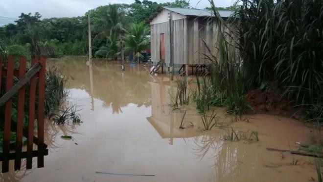 Rio Acre, em Assis Brasil, na manhã desta quarta-feira