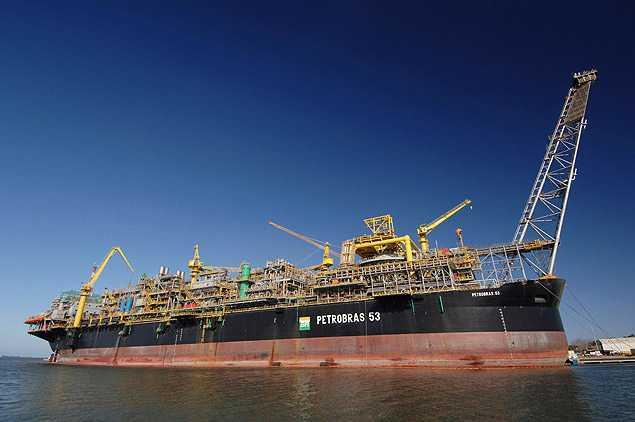 Plataforma P-53, da Petrobras, utilizada na extração de petróleo na Bacia de Campos