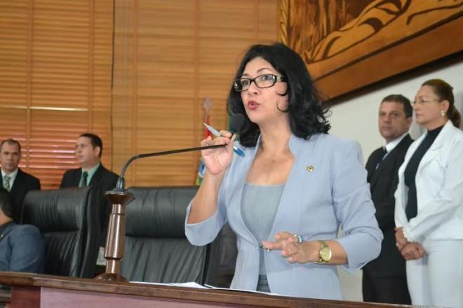 Deputada Eliane Sinhasique, do PMDB