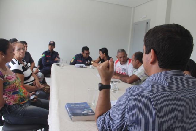 Promotor recebeu os comerciantes no prédio do MP nesta segunda, dia 16 - Foto: Alexandre Lima