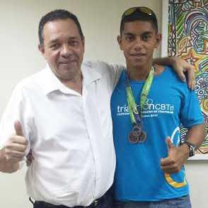 Deputado Manoel Moraes e o atleta Caio César