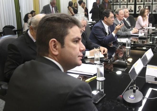Cameli durante reunião no Ministério de Minas e Energia