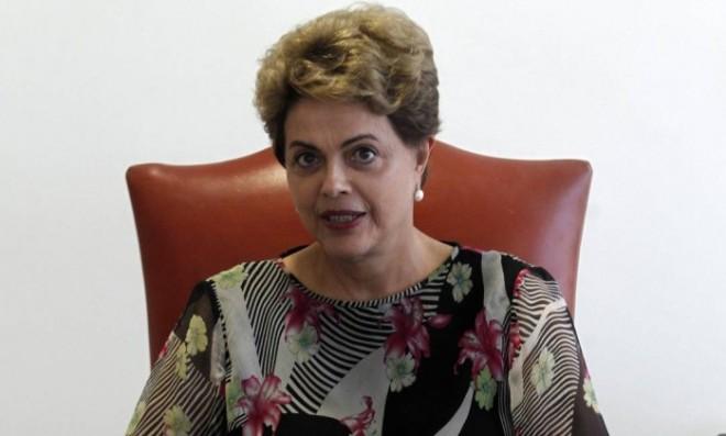 A presidente Dilma Rousseff concede entrevista no Palácio do Planalto - Givaldo Barbosa / Agência O Globo
