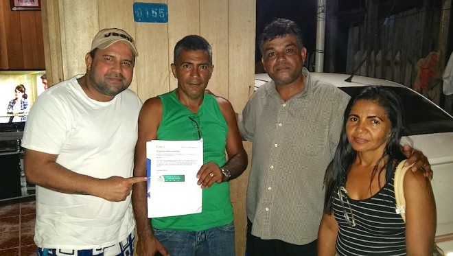 Rrpresetantes do Sintesac foram prestar solidariedade e ajuda ao enfermeiro Raimundo.