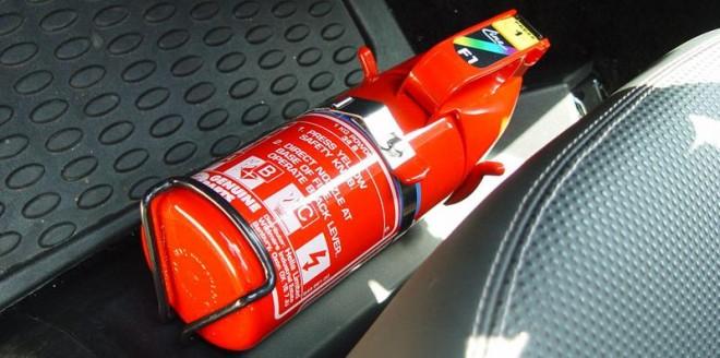 extintor-de-incendio-carro