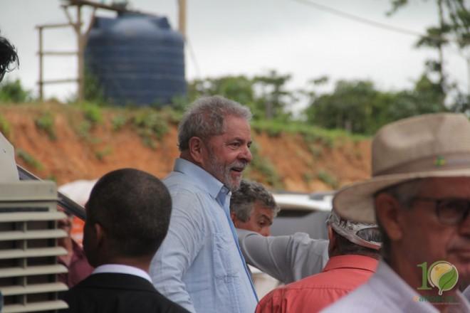 Momento após sua fala, Lula desceu do palanque e foi embora sem falar com a imprensa. - Foto: Alexandre Lima