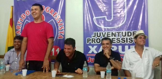 Ailson (camisa vermelha), durante encontro com lideranças para fortalecer a indicação de seu nome à pré-candidato - Foto: arquivo/pessoal