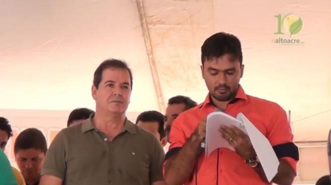Thiago esteve com o governador Sebastião Viana para anunciar a tomada das obras em Avenida de Brasiléia - Foto/captura