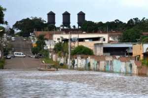 rio-madeira-nao-para-de-subir-e-enchente-nao-esta-descartada540x304_72634aicitono_1acp8n49b10b61btsuj5ukhosla