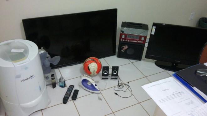 Vários objetos furtados foram recuperados pelos investigadores.