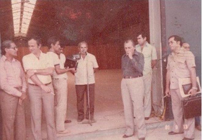 No ato de entrega do posto de Cageacre, com a presença do ex-governador Joaquim Macedo, políticos e convidados - Foto: arquivo familiar